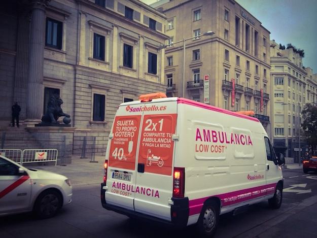 Sanichollo - Medicos del Mundo - ambulancia